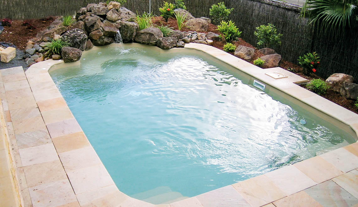 Leisure Pools Courtyard Roman fiberglass swimming pool