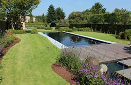 Custom-Finish-Colors-For-Fiberglass-Swimming-Pools_Landscaping-Garden